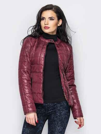 Демисезонная куртка бордового цвета без воротника 15153, фото 1