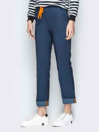 Джинсовые брюки с подворотами и резинкой по талии синие - 21059, фото 2 – интернет-магазин Dressa