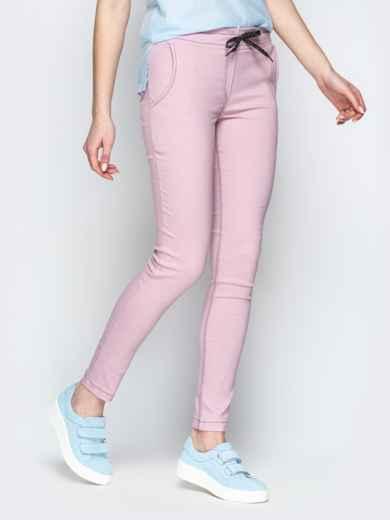 Пудровые брюки с резинкой по талии и прорезными карманами - 21061, фото 2 – интернет-магазин Dressa