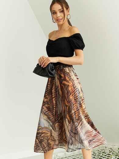 Шифоновая юбка-миди с абстрактным принтом коричневая 53877, фото 1