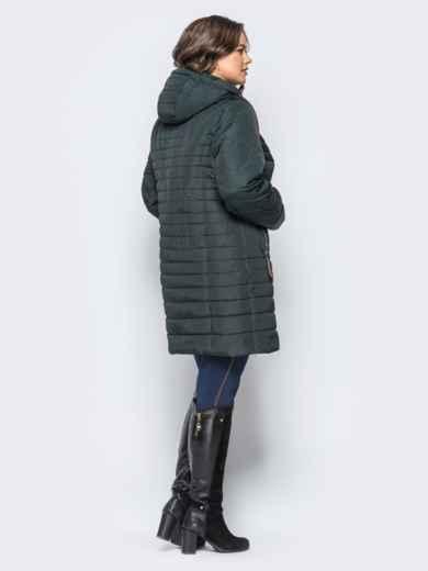 Удлиненная куртка со съемным капюшоном и заклёпкой на карманах зелёная - 16956, фото 2 – интернет-магазин Dressa