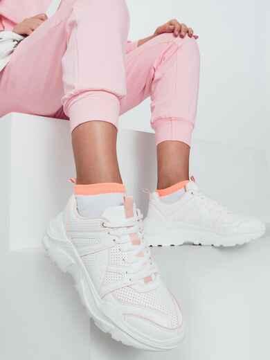 Белые кроссовки с розовой окантовкой 50598, фото 1