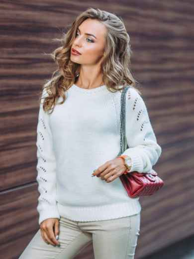 Свитер белый с перфорацией на рукавах - 13009, фото 1 – интернет-магазин Dressa