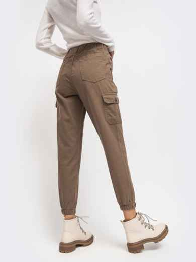 Джинсы-джоггеры с накладными карманами по бокам бежевые - 41925, фото 2 – интернет-магазин Dressa