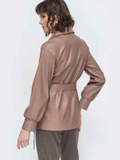 Бежевая куртка из эко-кожи с широкими рукавами - 44947, фото 3 – интернет-магазин Dressa