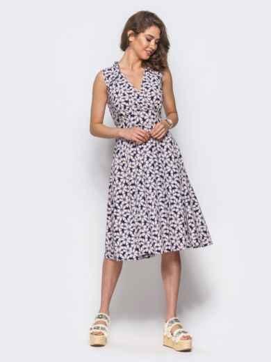 Платье на запах с цветочным принтом без рукавов пудровое - 11576, фото 2 – интернет-магазин Dressa