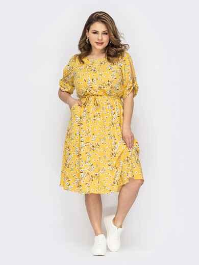 Желтое платье батал с принтом и расклешенной юбкой 53742, фото 1