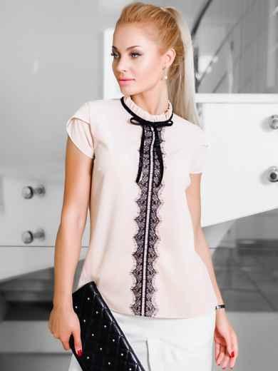Бежевая легкая блузка с гипюровой тесьмой на полочке - 10041, фото 2 – интернет-магазин Dressa