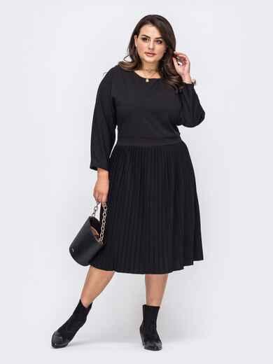 Чёрное платье большого размер с юбкой-плиссе 51499, фото 1