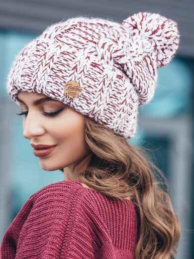 Бордовая шапка из нитей двух цветов с помпоном 15451, фото 1