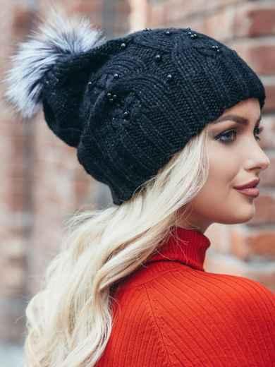 Черная вязаная шапка с бусинами и бубоном - 15482, фото 3 – интернет-магазин Dressa