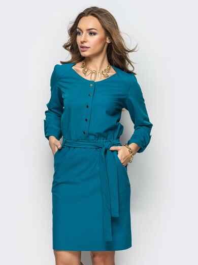 Платье из костюмной ткани с функциональными кнопками зелёное - 13474, фото 1 – интернет-магазин Dressa
