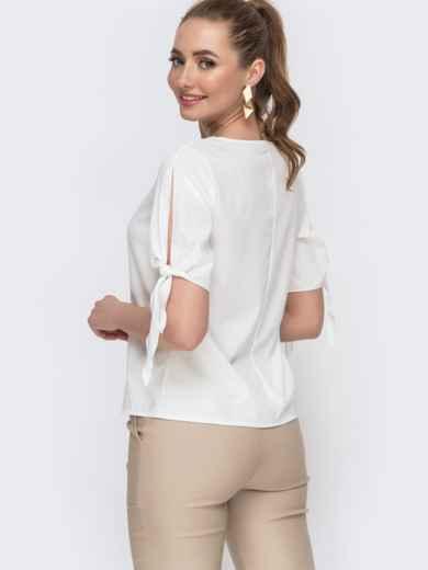 Белая лузка свободного кроя с завязками - 47440, фото 1 – интернет-магазин Dressa