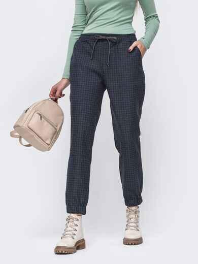 Графитовые брюки-джоггеры в клетку с резинкой по талии 51533, фото 1