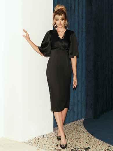 Чёрное платье-футляр из атласа с расклешенными рукавами 51787, фото 2