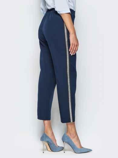 Темно-синие укороченные брюки с лампасами - 16287, фото 2 – интернет-магазин Dressa