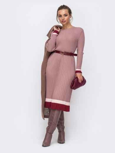 Пудровое вязаное платье в рубчик с плиссированной юбкой 50440, фото 1