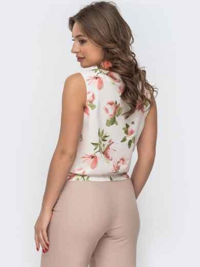Белая блузка с принтом и вафельной оборкой по низу - 46891, фото 3 – интернет-магазин Dressa
