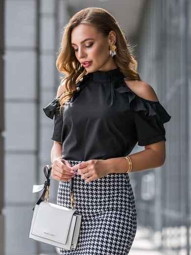 Чёрная блузка с открытыми плечами и рюшами 40796, фото 1