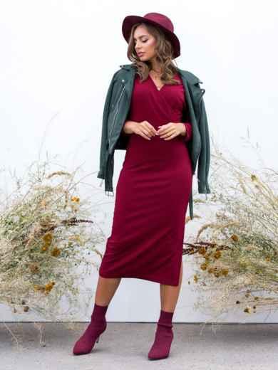 Обтягивающее платье бордового цвета с разрезом - 41032, фото 2 – интернет-магазин Dressa