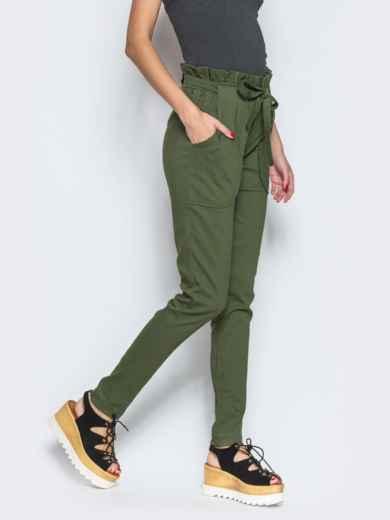 Хаки брюки с высокой посадкой и оборкой на поясе - 12776, фото 2 – интернет-магазин Dressa
