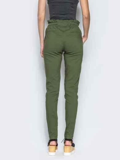 Хаки брюки с высокой посадкой и оборкой на поясе - 12776, фото 3 – интернет-магазин Dressa