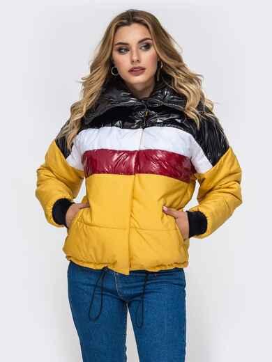 Дутая куртка с объемным воротником и контрастными вставками желтая - 42807, фото 1 – интернет-магазин Dressa