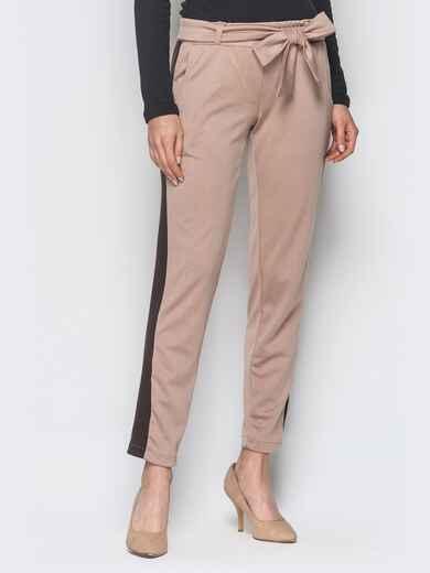 Бежевые трикотажные брюки с коричневыми лампасами - 18881, фото 1 – интернет-магазин Dressa
