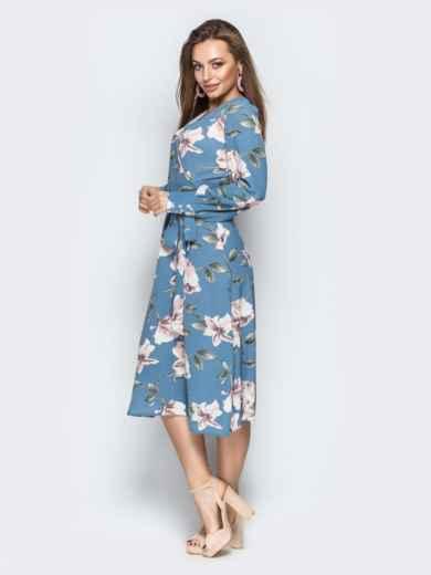 Голубое платье на запах с принтом - 21093, фото 2 – интернет-магазин Dressa