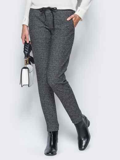 Тёмно-серые брюки из жаккарда с кантом на карманах - 17755, фото 1 – интернет-магазин Dressa