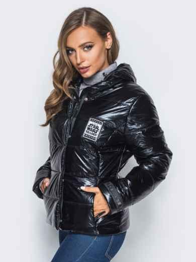 Куртка черного цвета со съемным капюшоном и карманами на молнии - 16683, фото 2 – интернет-магазин Dressa