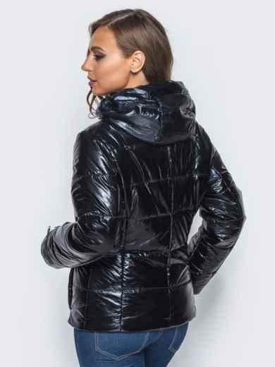 Куртка черного цвета со съемным капюшоном и карманами на молнии - 16683, фото 3 – интернет-магазин Dressa