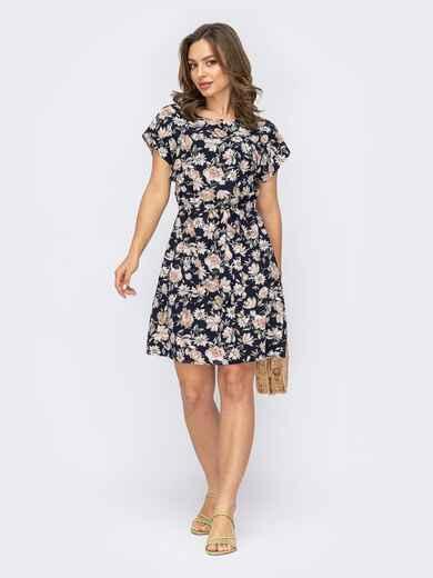 Платье с принтом и резинкой в поясе тёмно-синее 53707, фото 1