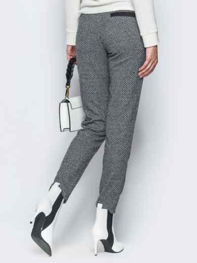 Жаккардовые брюки светло-серого цвета - 17756, фото 3 – интернет-магазин Dressa
