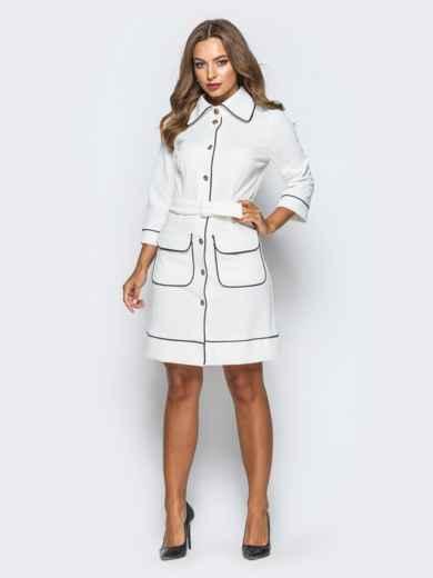 Белое платье с контрастной отстрочкой и функциональными пуговицами - 16942, фото 2 – интернет-магазин Dressa