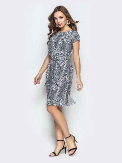 Прямое платье с анималистичным принтом из софта серое - 22293, фото 2 – интернет-магазин Dressa