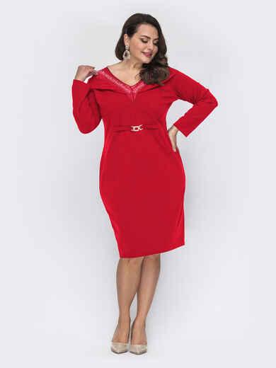 Приталенное платье батал с фатиновой кокеткой красное 52128, фото 1