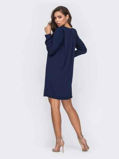 Прямое платье тёмно-синего цвета с подплечниками 50659, фото 3