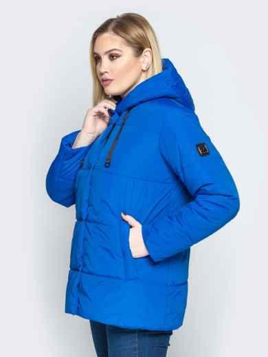 Синяя куртка со вшитым капюшоном и кулиской - 20217, фото 2 – интернет-магазин Dressa