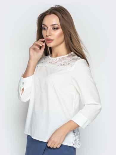 Молочная блузка свободного кроя с гипюровыми вставками - 20779, фото 2 – интернет-магазин Dressa