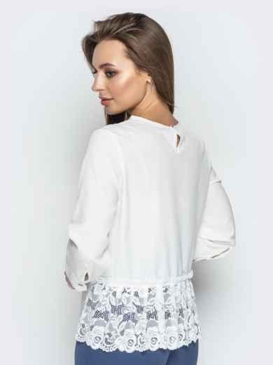 Молочная блузка свободного кроя с гипюровыми вставками - 20779, фото 3 – интернет-магазин Dressa