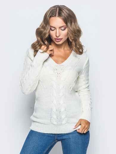 Полуприталенный свитер белого цвета с v-образным вырезом горловины 16040, фото 1