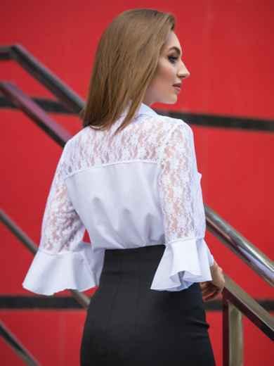 Блузка с кокеткой из гипюра и пуговицами на полочке - 14313, фото 3 – интернет-магазин Dressa