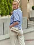 Голубая блузка с отложным воротником и V-образным вырезом 54611, фото 4