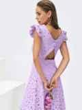 Расклешенное платье из прошвы с открытой спиной сиреневое 54373, фото 3