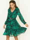 Зеленое платье с принтом и воланом по низу 52939, фото 2