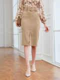 Бежевая юбка из вельвета прямого кроя с разрезом спереди 54015, фото 3