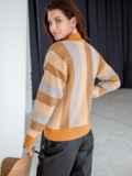Оранжевый свитер со спущенной линией плечевого шва 51446, фото 4