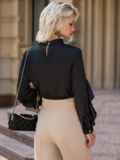 Шелковая блузка с оборкой по лифу и рукавам чёрная 49438, фото 3