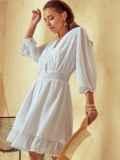 Короткое платье из шифона с расклешенной юбкой белое 53791, фото 4